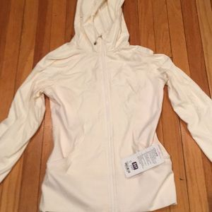 Lululemon In Flux jacket with tag.